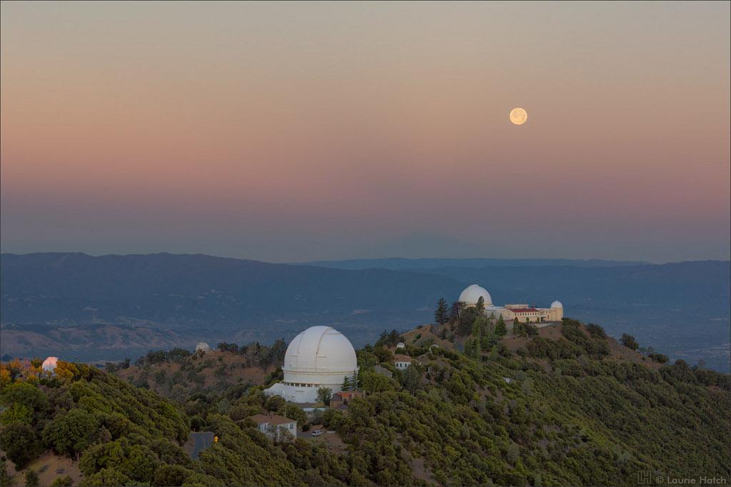 Alba del solsticio y puesta de Luna llena
