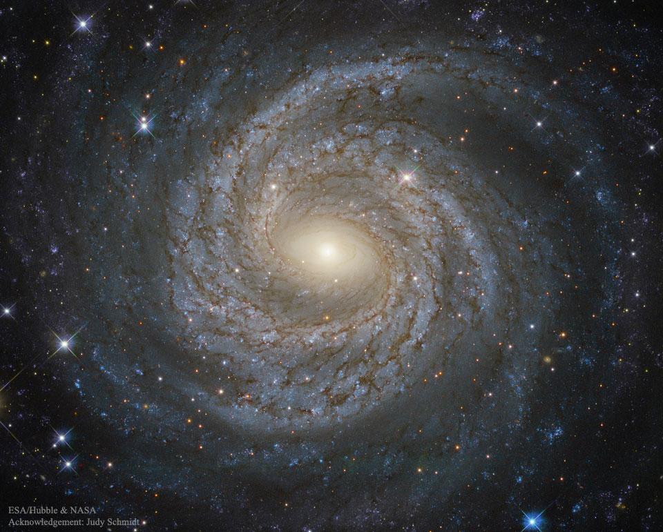 NGC 6814: galaxia espiral de gran diseño desde el Hubble