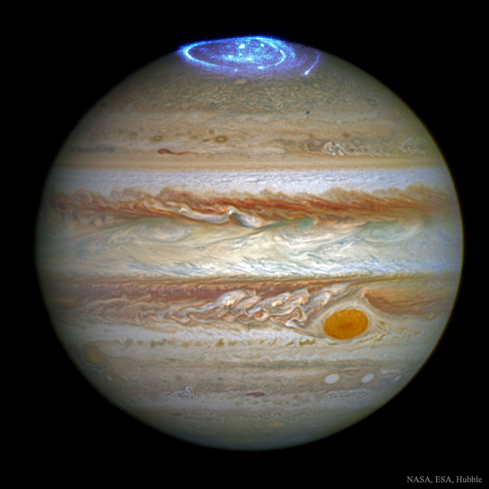 019 - JULI - 2016. JupiterAurora_Hubble_960