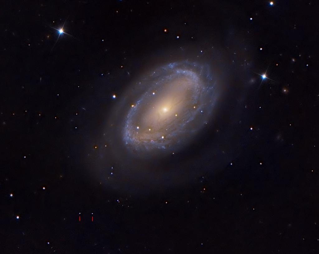El conejo de Pascua llega a NGC 4725