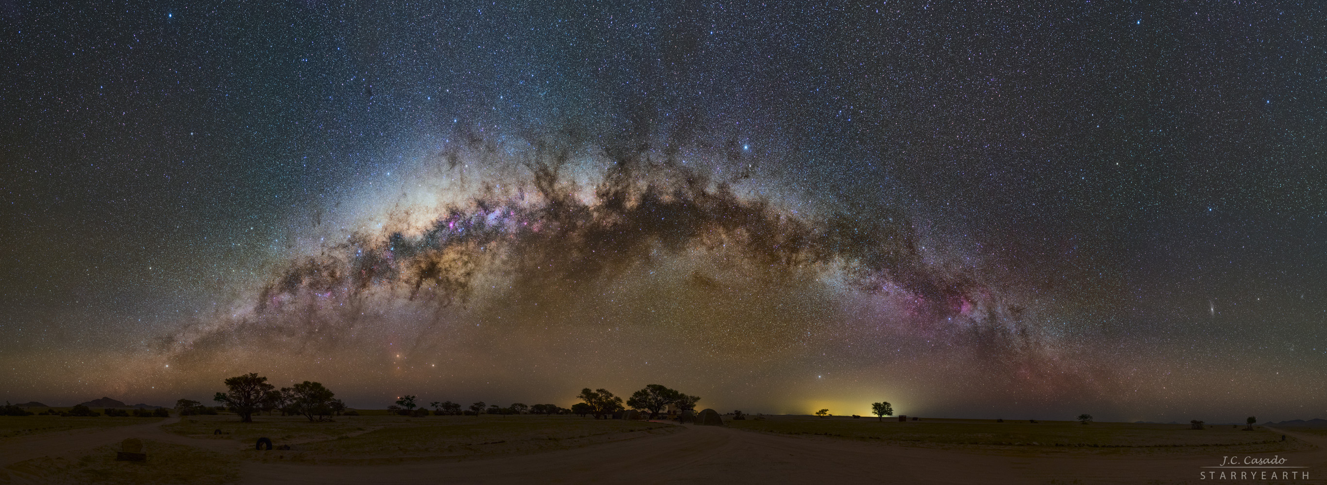 Apod 2016 August 26 The Milky Way Sets