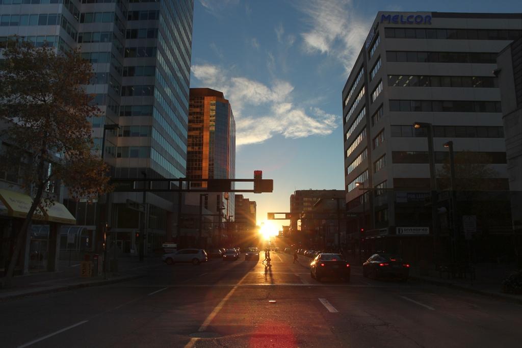 Puesta de Sol en Edmontonhenge