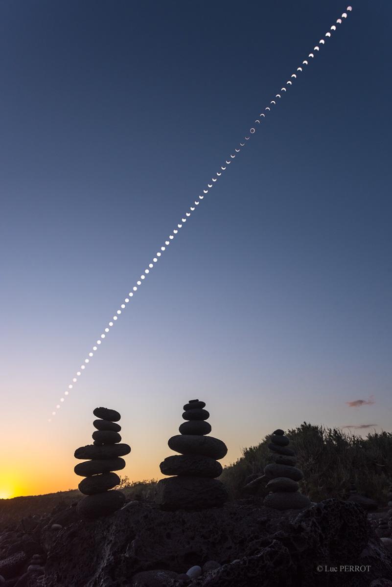 Eclipse en la puesta de Sol