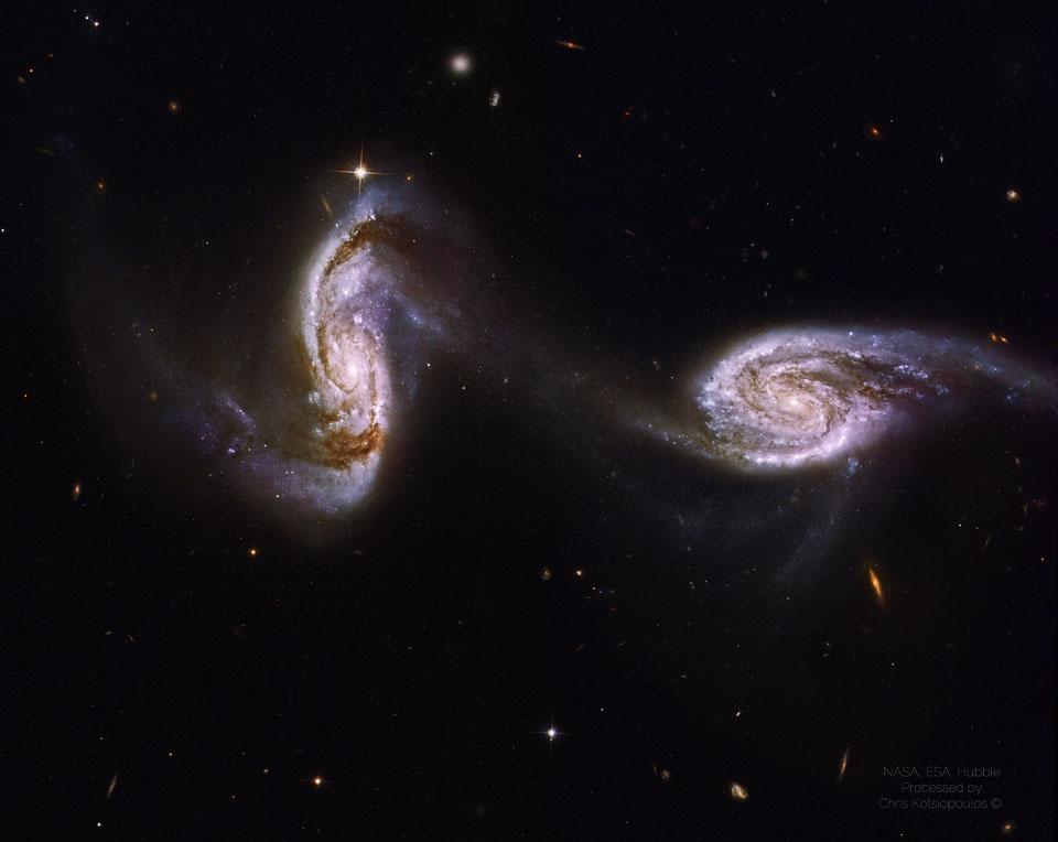Arp 240: un puente entre las galaxias espirales del Hubble