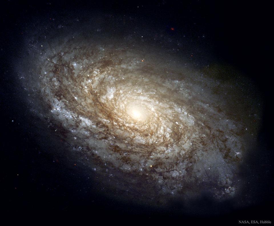 NGC 4414: Vločkovitá spirální galaxie