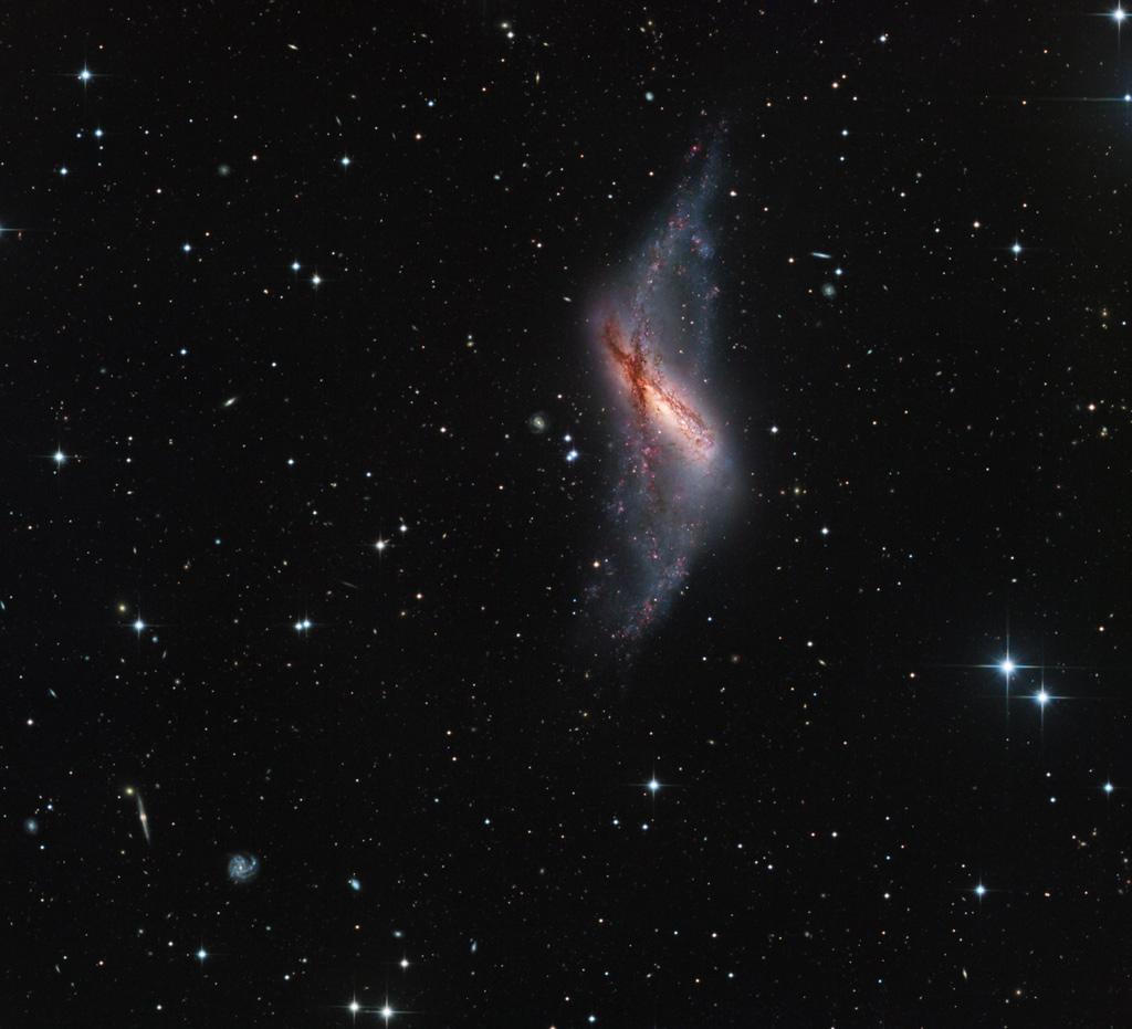 La Galaxia del Anillo Polar NGC 660