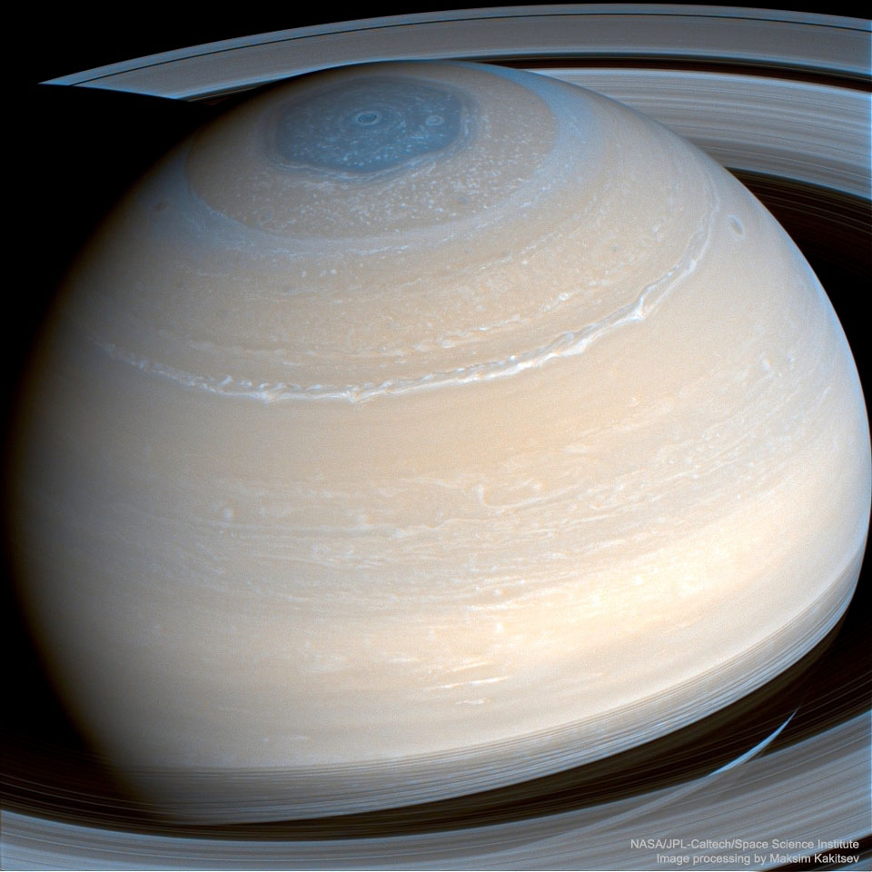 Saturno en infrarrojo desde la Cassini