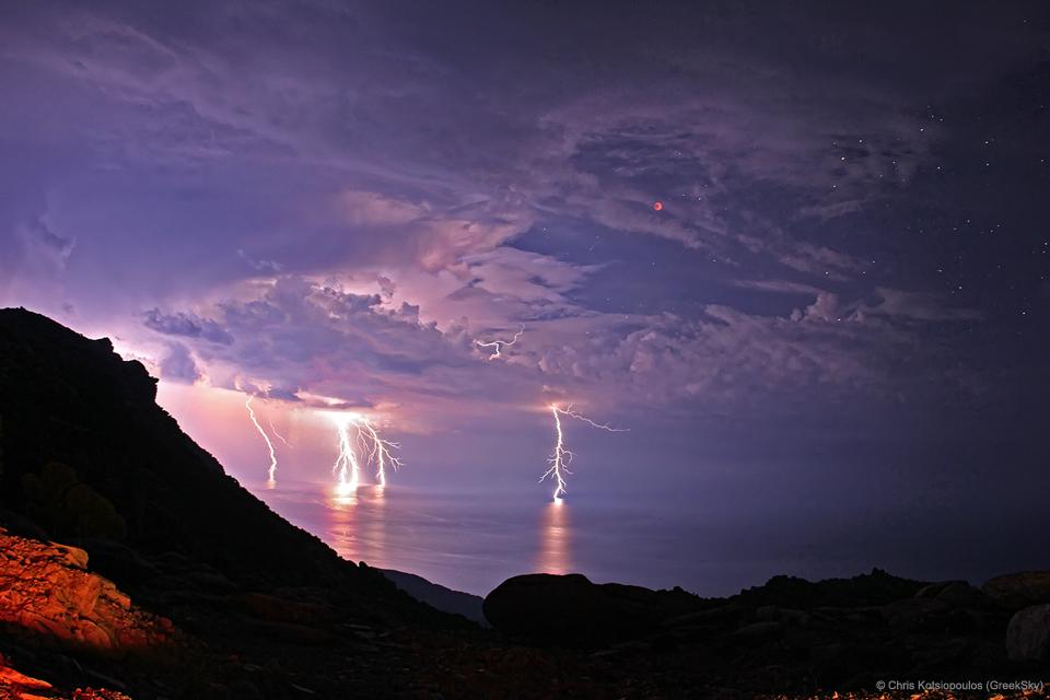 030 - JULI - 2017. LightningEclipse_Kotsiopoulos_960