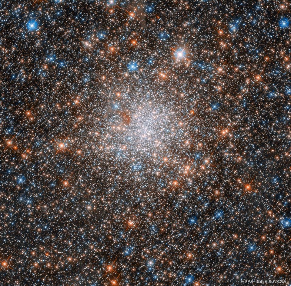 NGC 1898: Kulová hvězdokupa v LMC