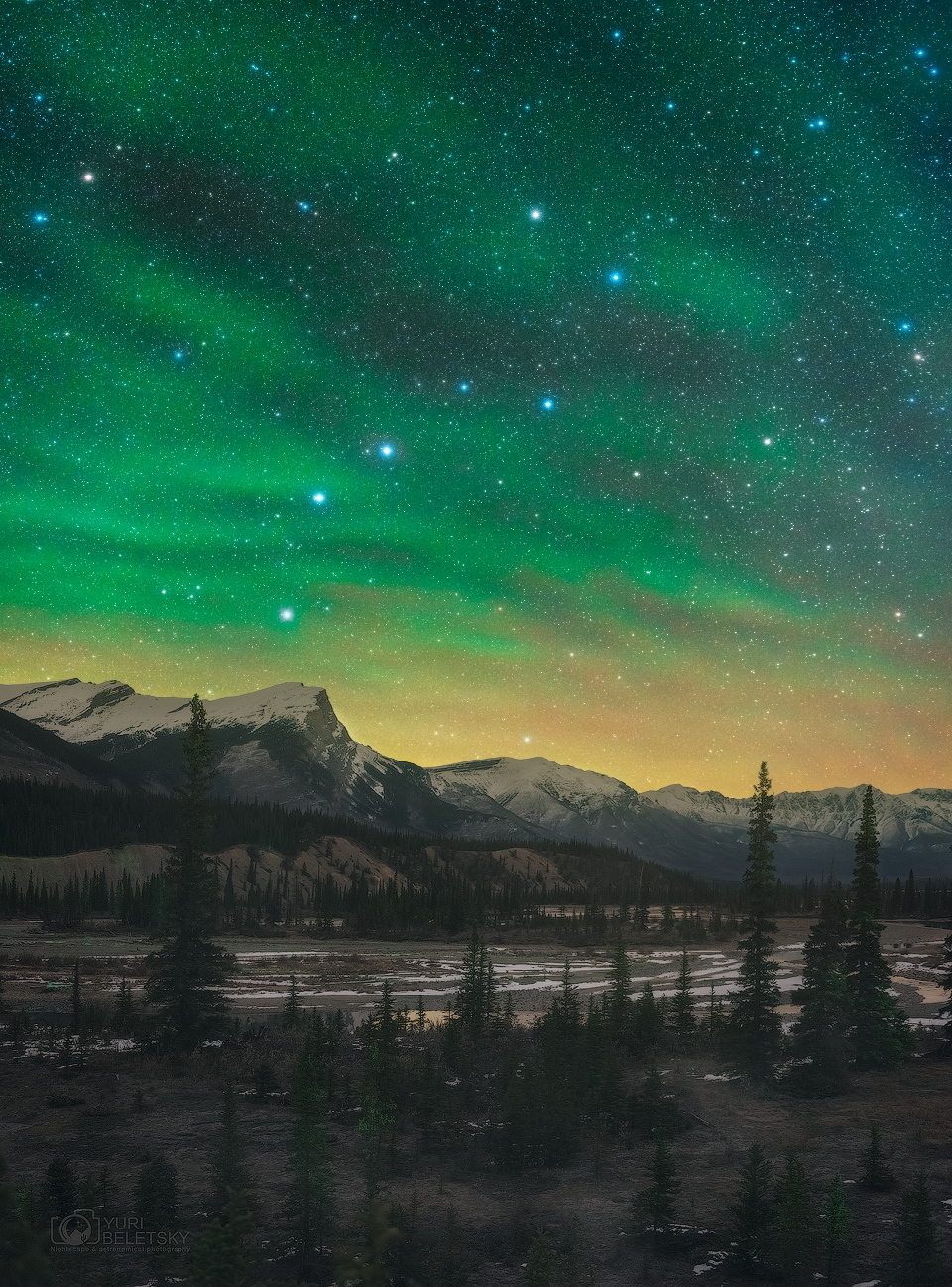 APOD: 2018 October 27 - Airglow Borealis