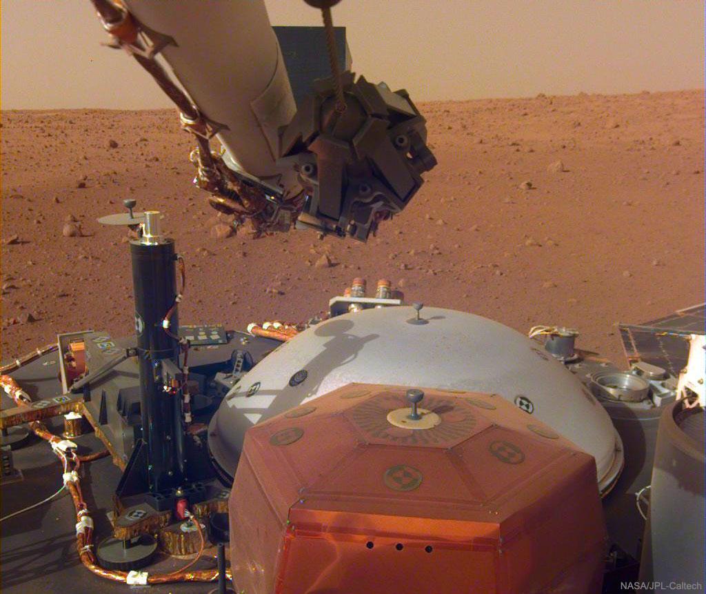 Sonido y luz capturados por la Mars InSight