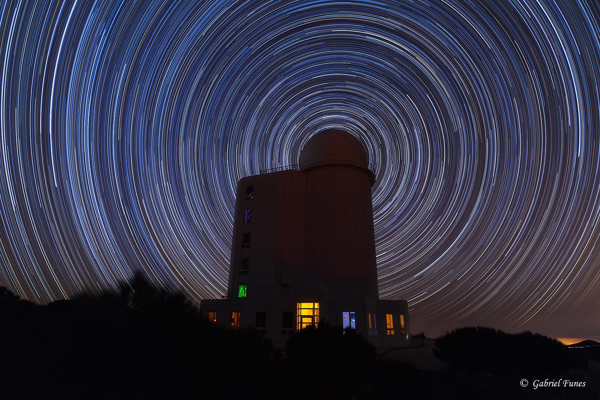 [ASTRONOMIA]   Circumpolar Star Trails