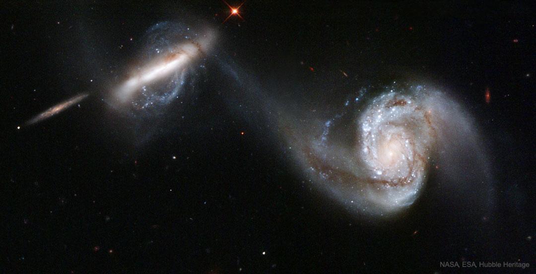 Arp 87: fusionando galaxias del Hubble