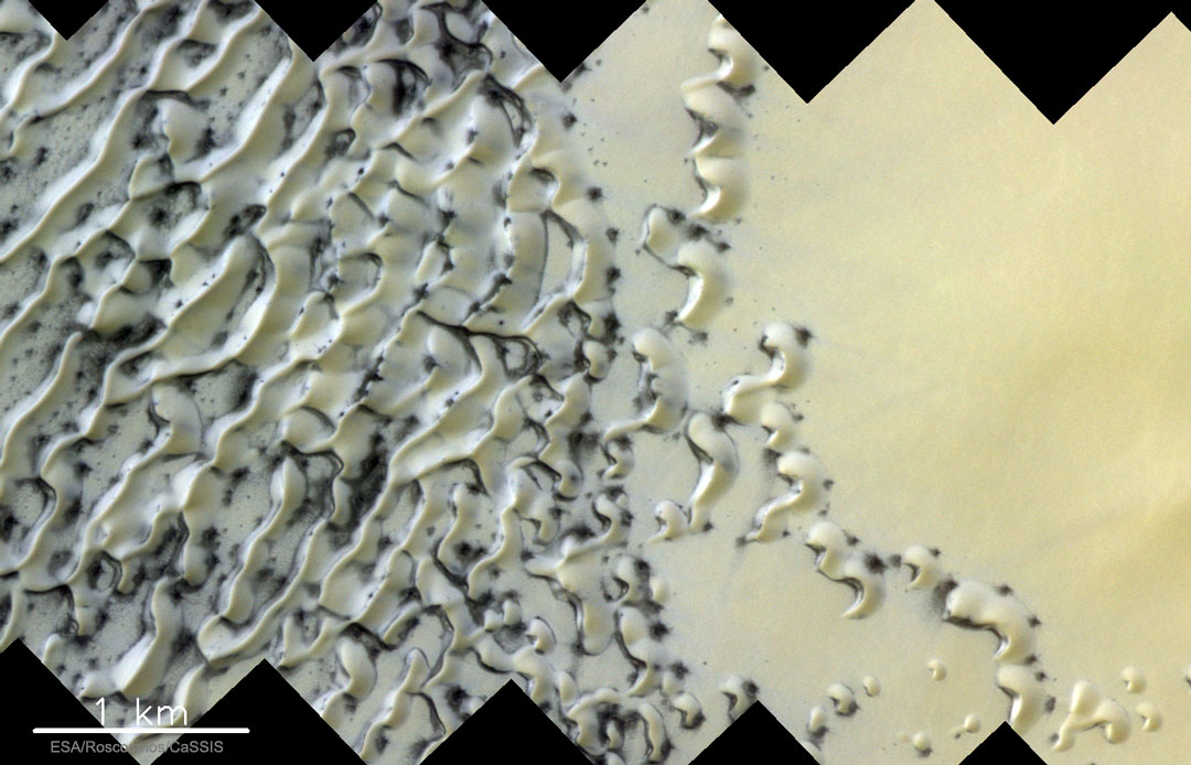 Dunas de arena que se descongelan en Marte