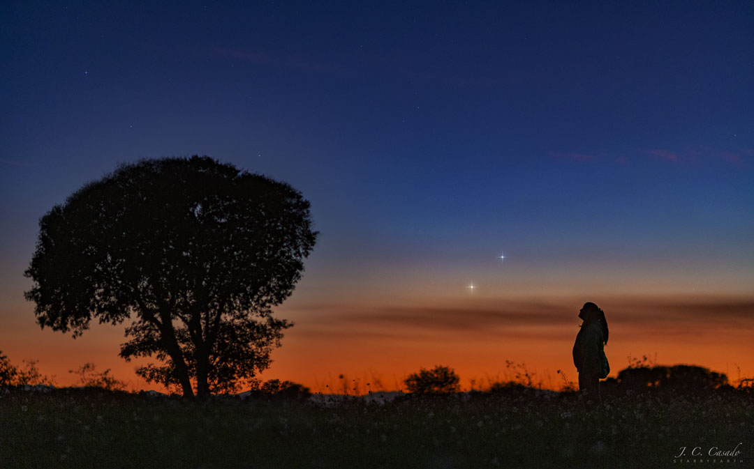 Venus y Júpiter en el horizonte