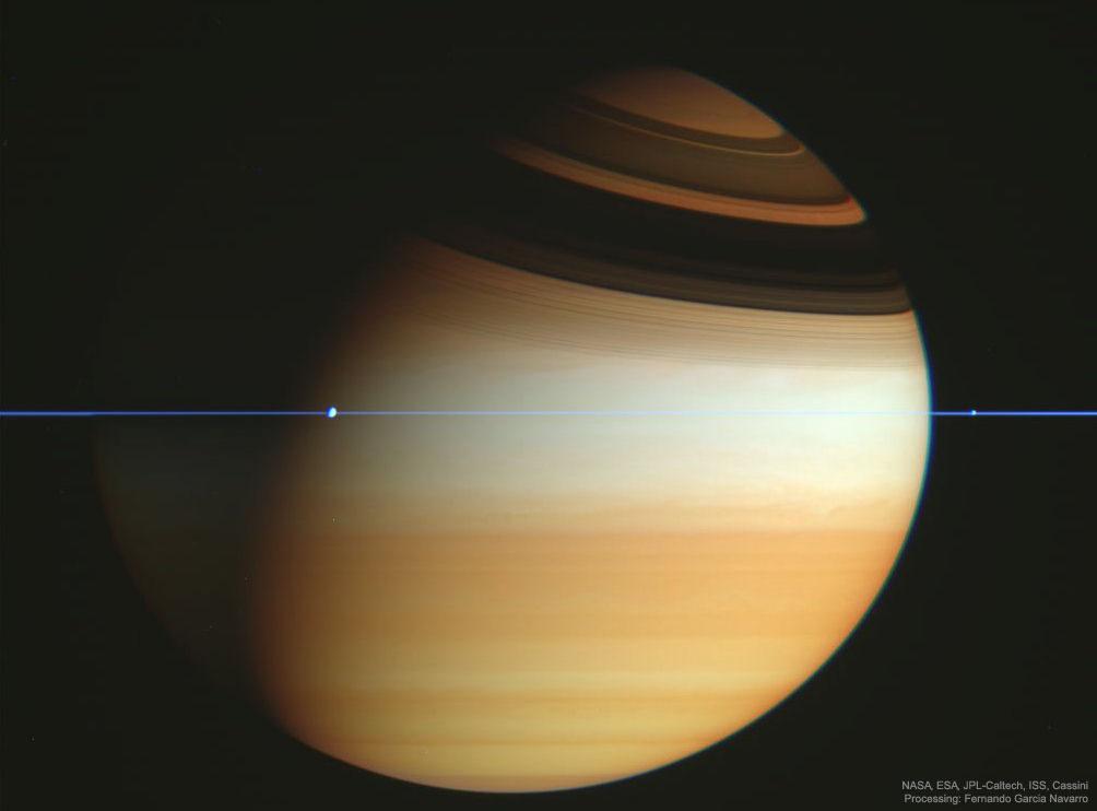 La navicella spaziale Cassini attraversa l'aereo di Saturno Immagine di credito: NASA , ESA , JPL , ISS , Cassini Imaging Team ; Elaborazione: Fernando Garcia Navarro