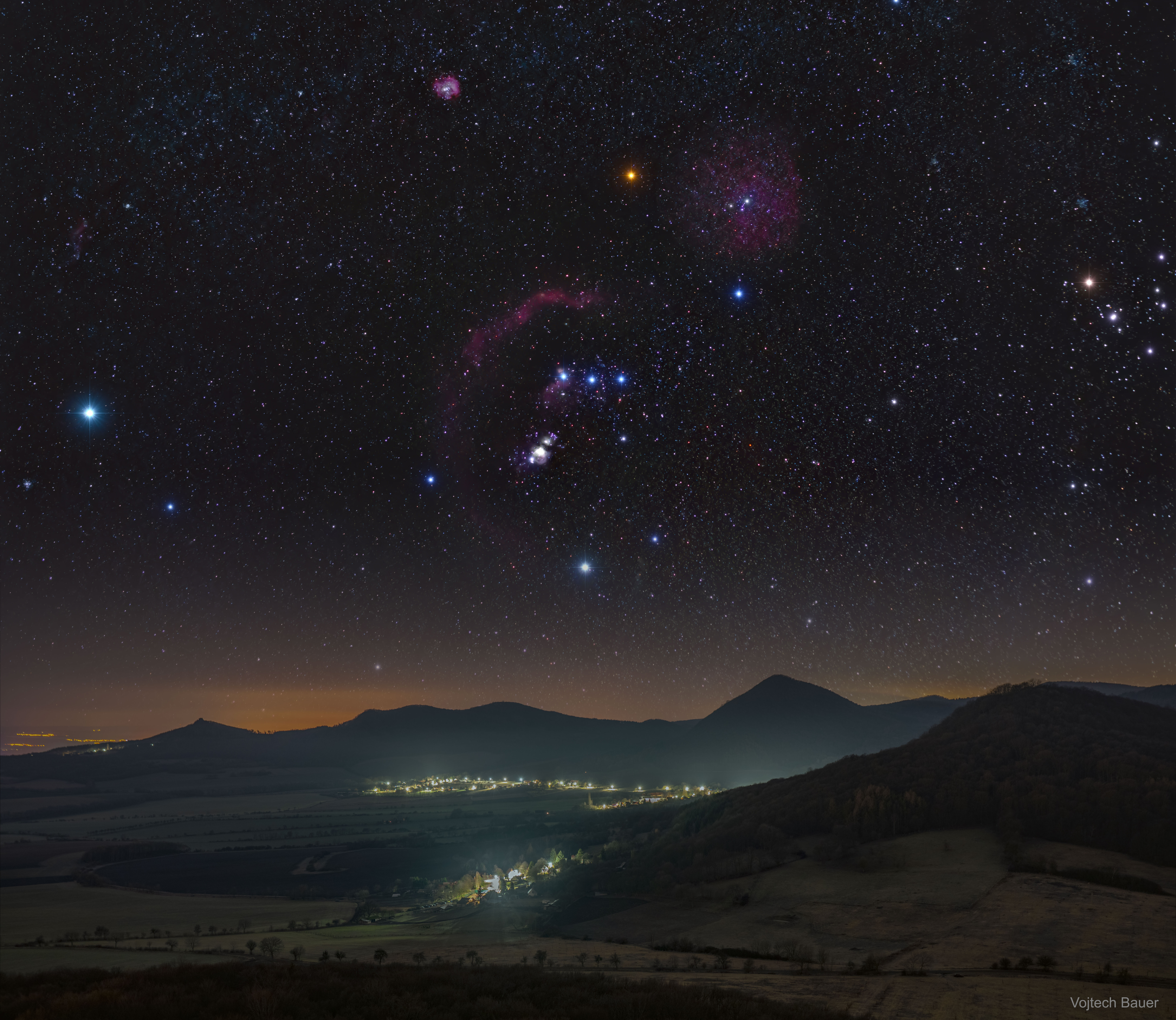 [ASTRONOMIA]   ¨ Orion over the Central Bohemian Highlands
