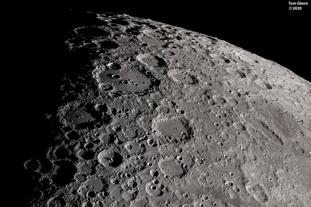 Krajina jižního Měsíce