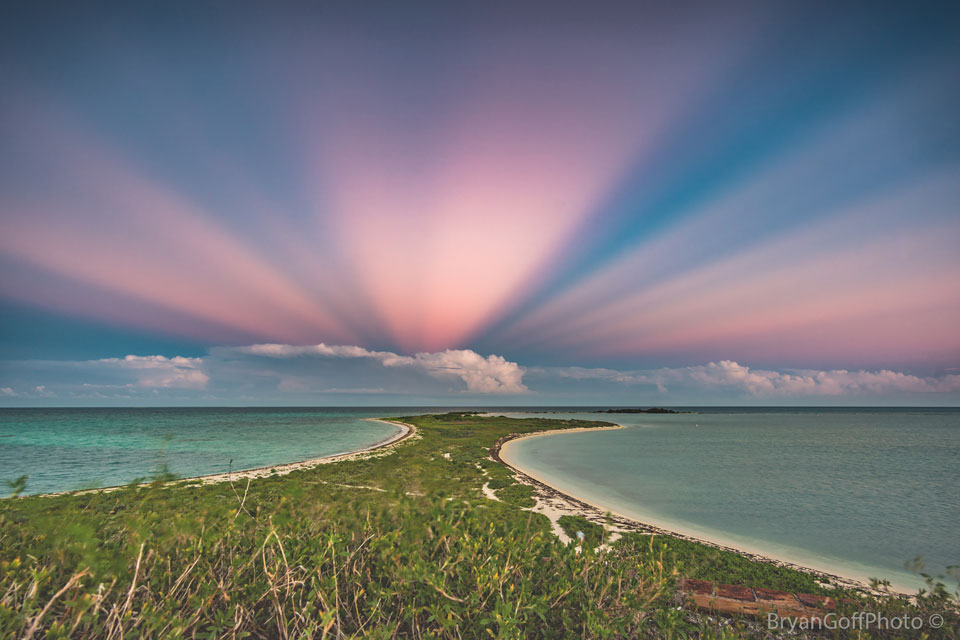 Antikrepuskulární paprsky nad Floridou