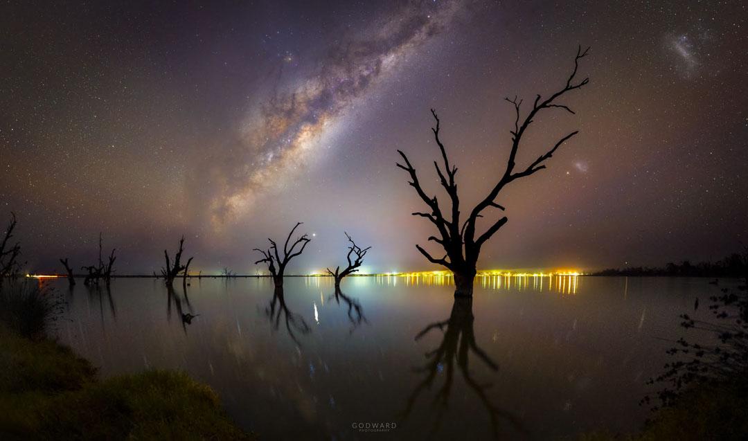 Reflexiones de cielo oscuro