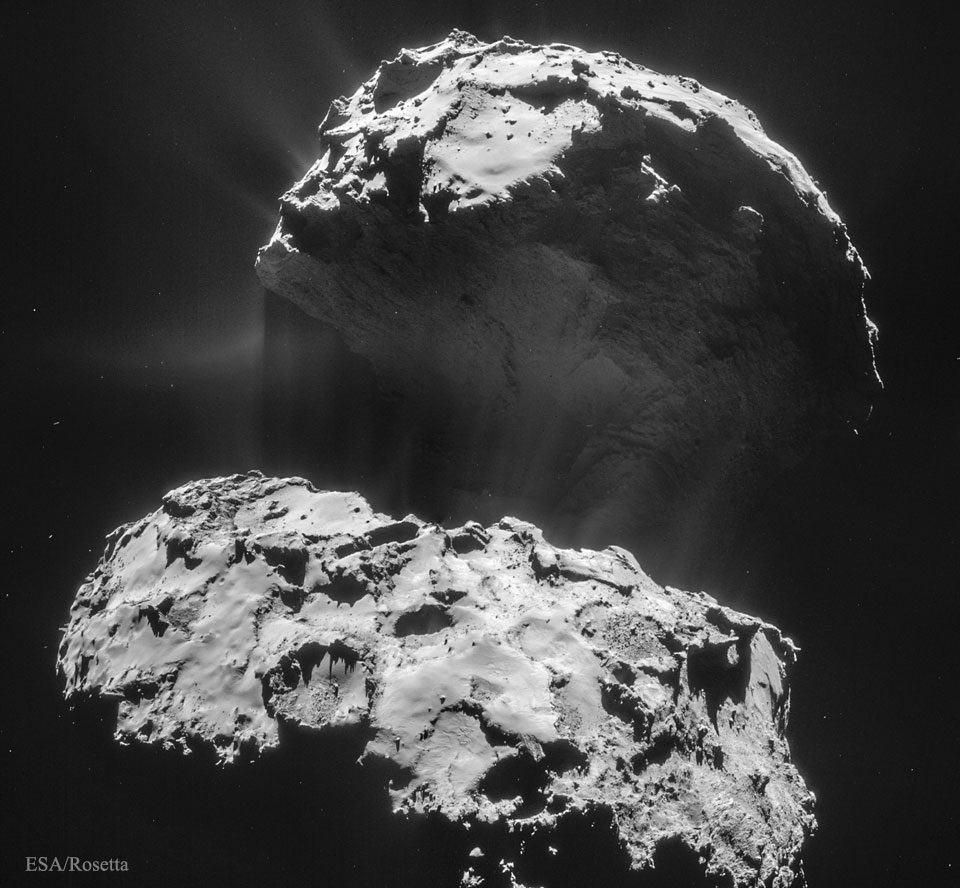 Comet CG Creates Its Dust Tail