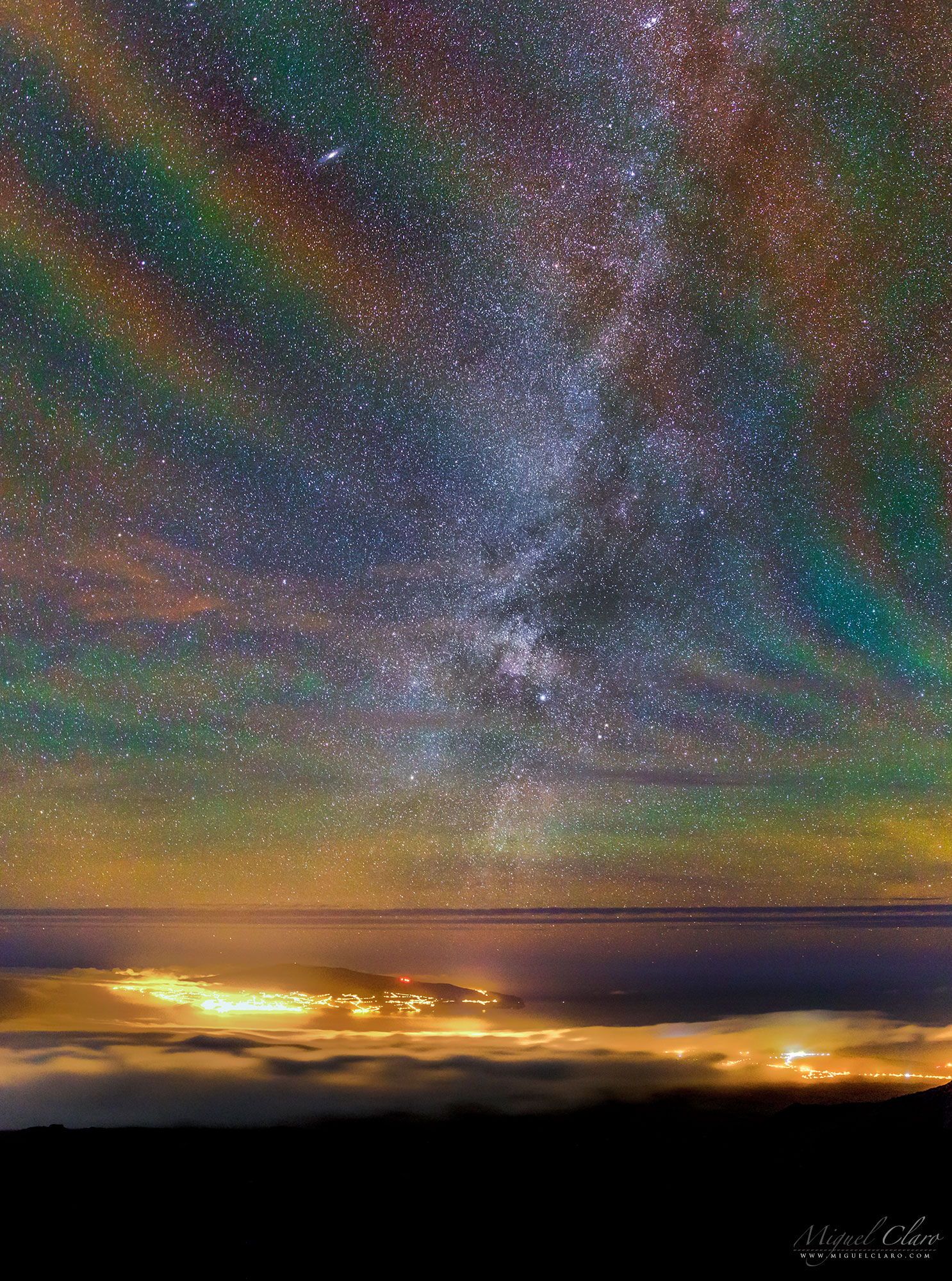 APOD: 2021 April 18 - Rainbow Airglow over the Azores