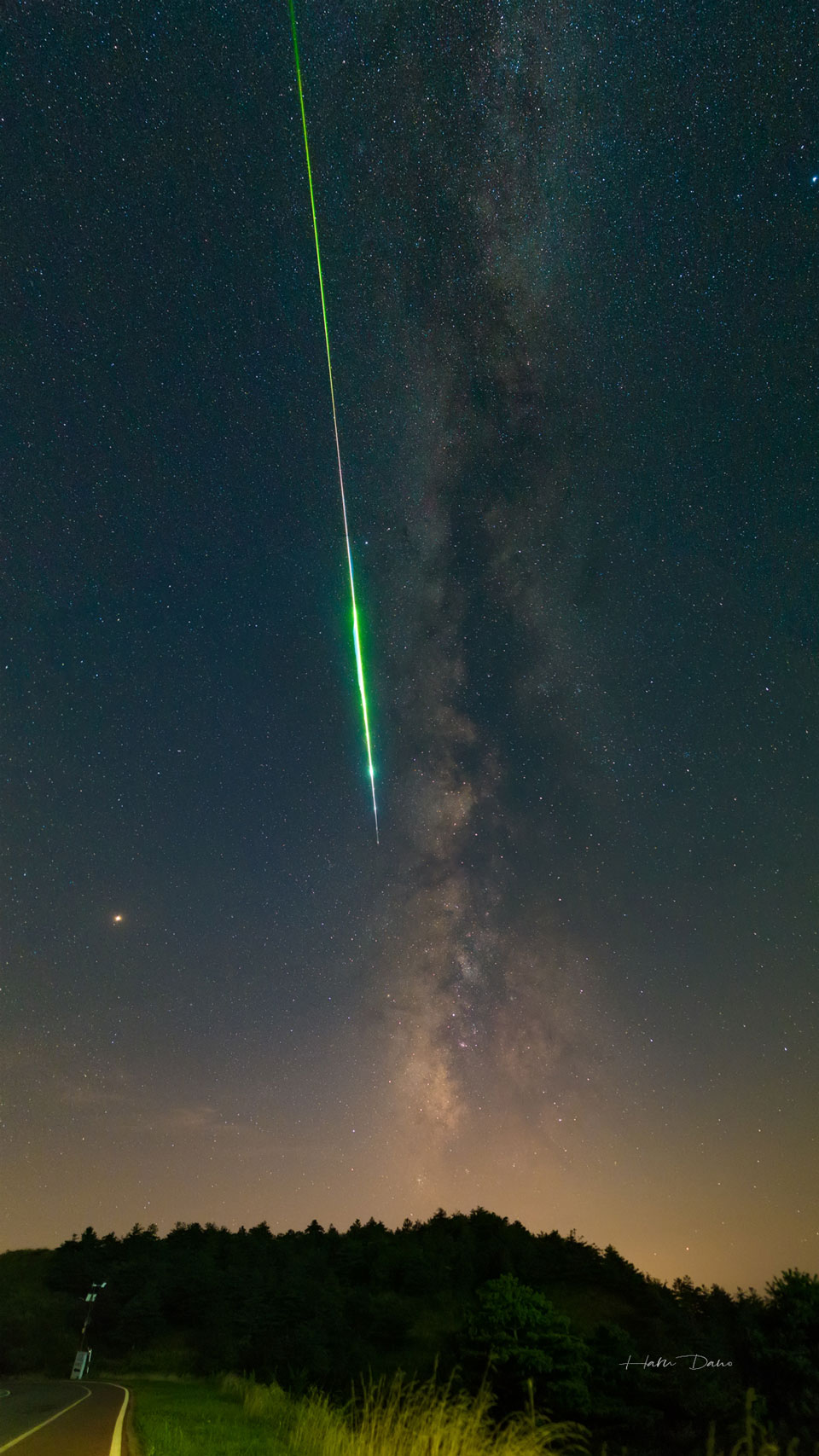 A Perseid Meteor and the Milky Way