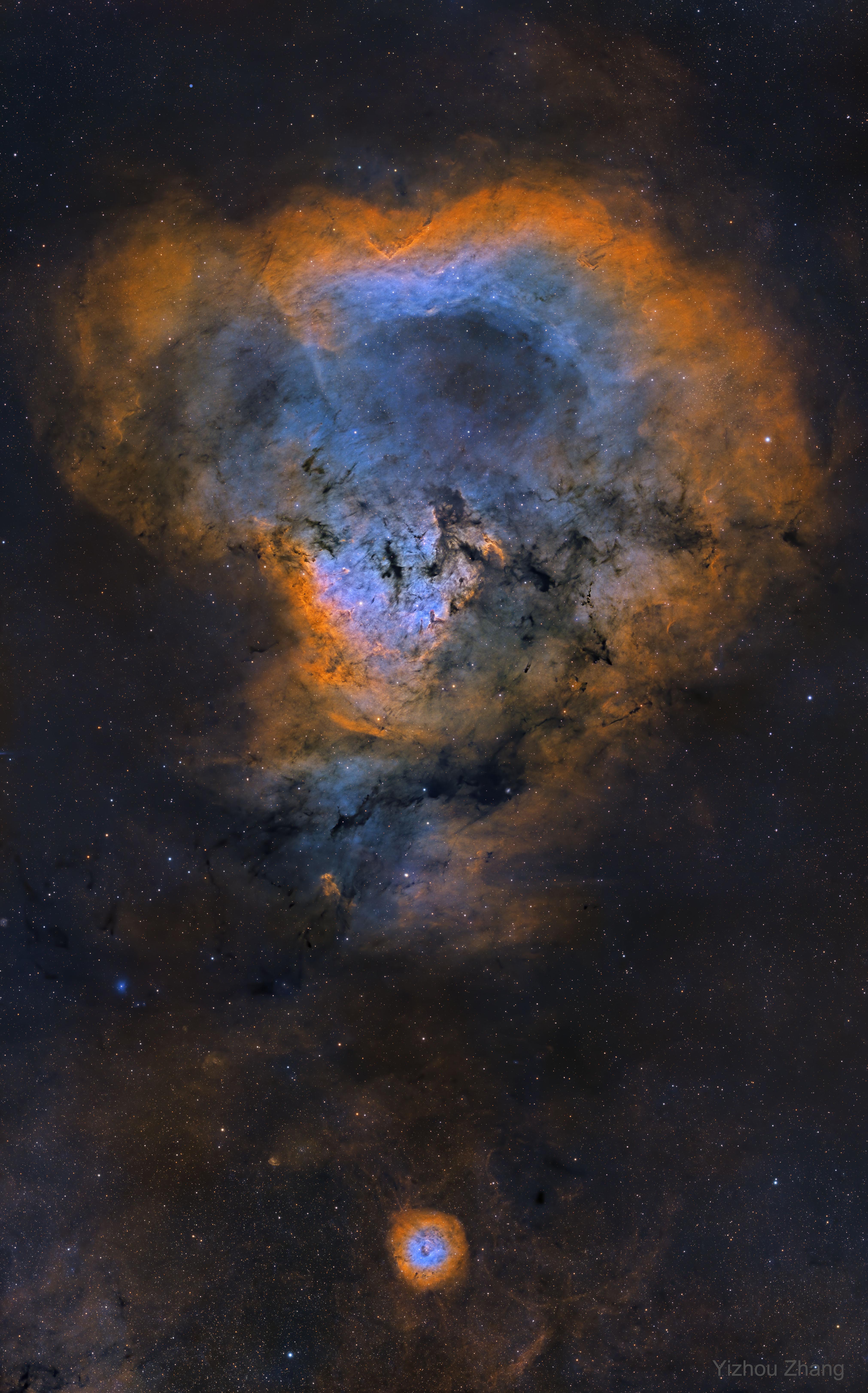 NGC 7822:宇宙问号
