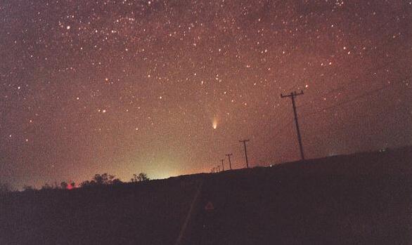 El Cometa Hale-Bopp es <I>ese</I> brillo