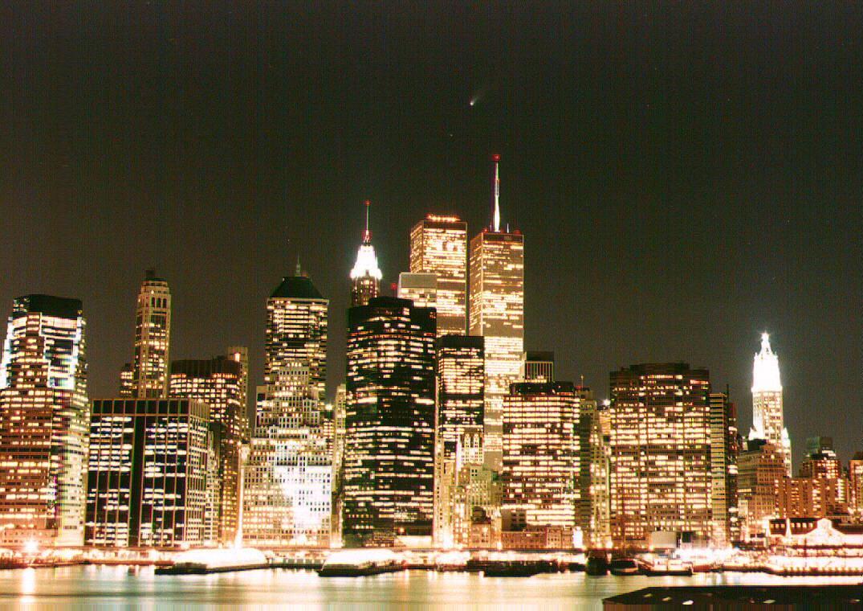 APOD: April 8, 1997 - Comet Hale-Bopp Over New York City  Nyc