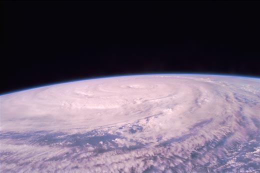 El enorme tifón Winnie
