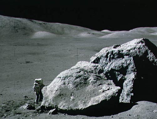 Apollo 17: pedrusco en la Luna