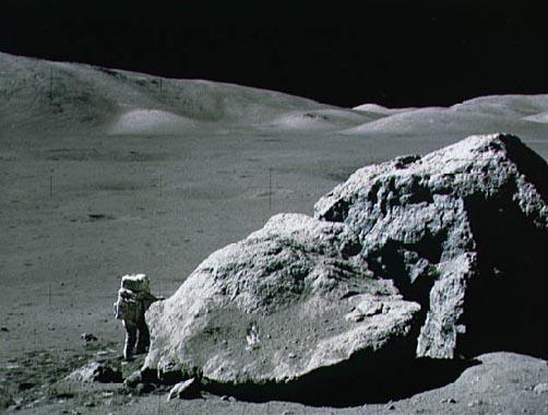 Apollo 17: pedrusco en la Luna