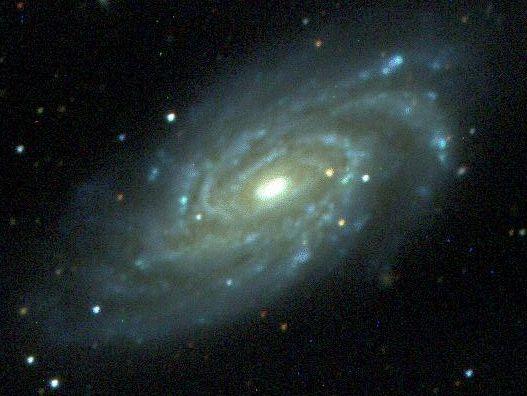 NGC 6070: La Primera Luz para el Sloan