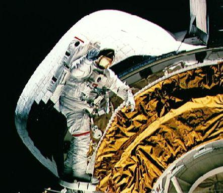 Bailando un Walz espacial