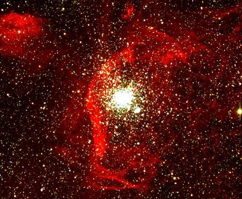 NGC 1850: Nubes de gas y cúmulos de estrellas