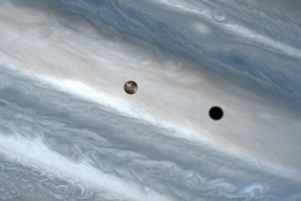 La sombra de Io