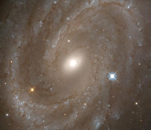 NGC 4603 y el universo en expansión