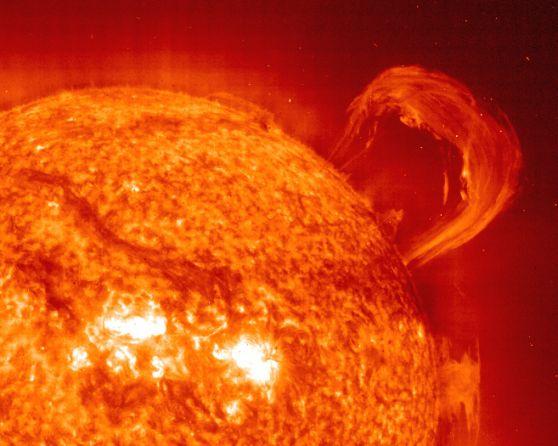 El equinoccio y una protuberancia en erupción
