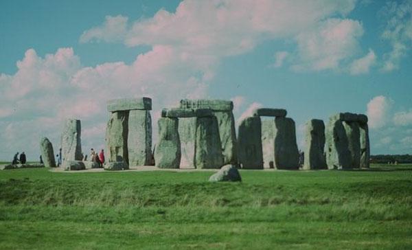 Stonehenge: Starověký sluneční monument