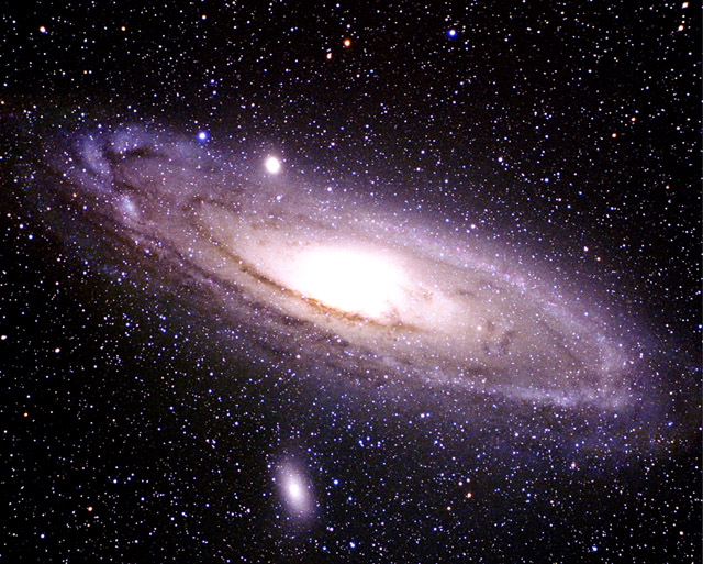 APOD: November 14, 1999 - M31: The Andromeda Galaxy