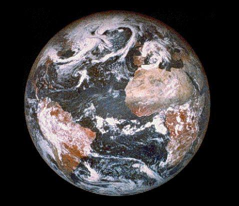 Una Tierra que Decora el Espacio