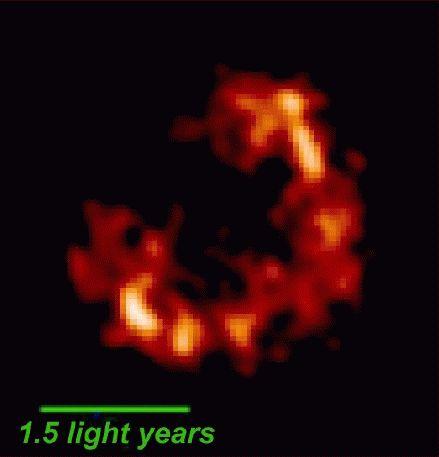 Restos de una supernova en M82