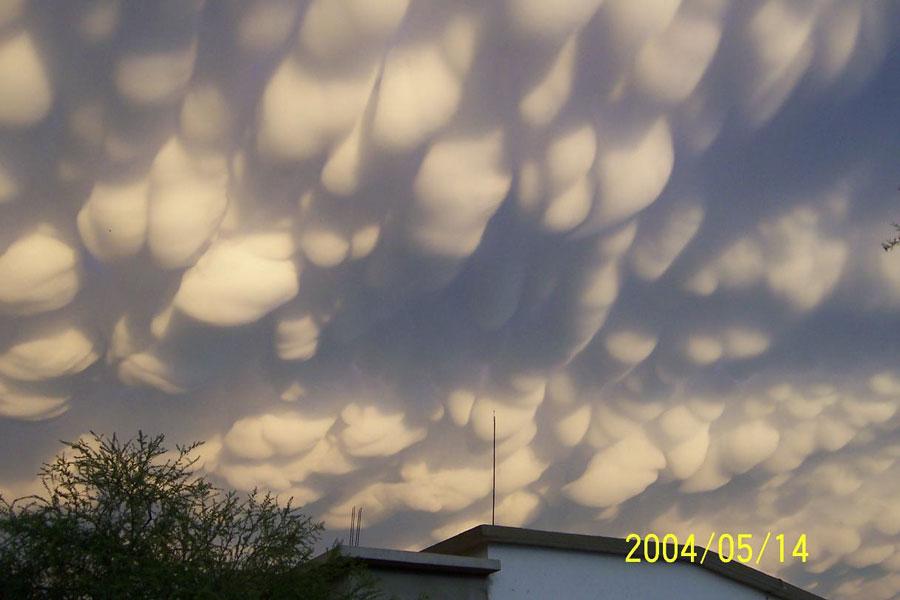 http://antwrp.gsfc.nasa.gov/image/0712/clouds_aguirre.jpg