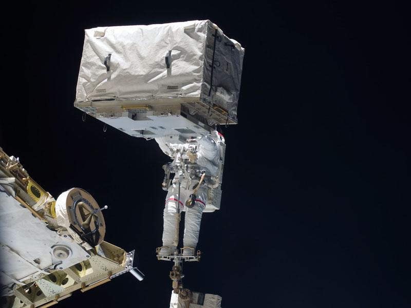 Photos et clichés - Page 19 Astrohead_nasa