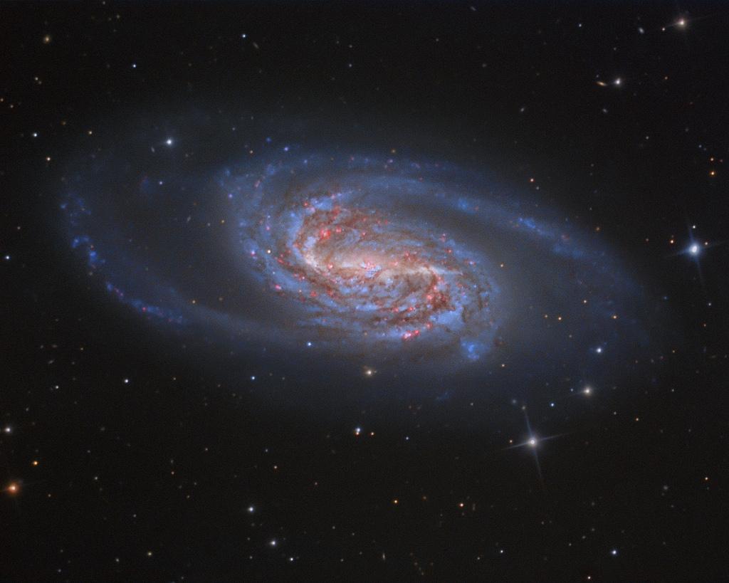 Galaxia Espiral Barrida NGC 2903